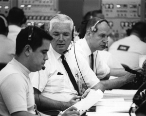 AS7-0243A-368-347-.33-ERNIE REYES,JOHN WILLIAMS AND GEORGE LOW IN BLOCKHOUSE-9.16.68 Apollo 7